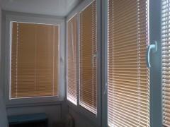 plastikovie-jaluzi-na-okna-3